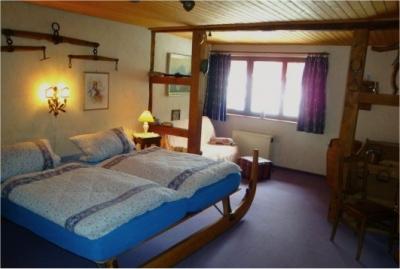 0169-06 Feha Warratz Schlafzimmer