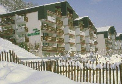 0287-02 B und B Breiten Winterfoto aussen