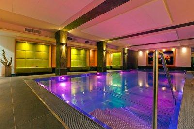 0412-03 Hotel Fliana Innenpool