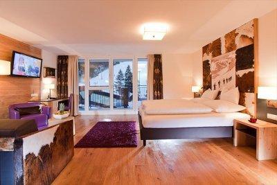 0412-05 Hotel Fliana Zimmer