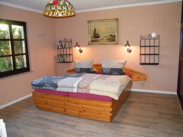 0418-10-Ferienhaus-Blinkfuer-104-Schlafzimmer-3