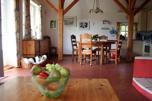 0427-08-Ferienhaus-Glasau-Blick in den Essbereich