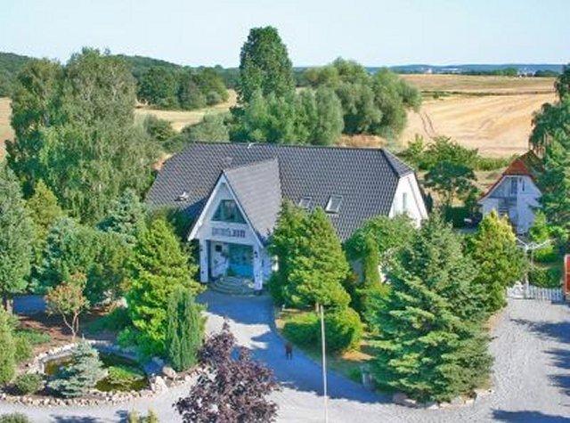 0461-02 Pension Landhaus Teichgraf Sommeransicht