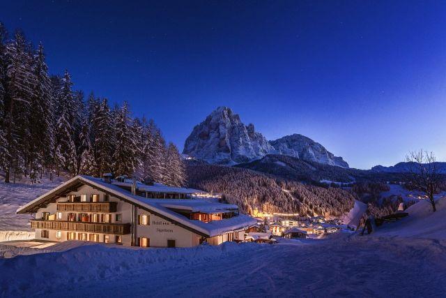 0469-02 Hotel Jägerheim Winter