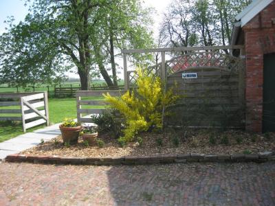 0477-02 Fewo Hof Wiesenblick Garten-Terrasse