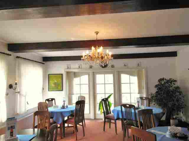 0484-12-Hotel-Pharisaerhof-Cafe