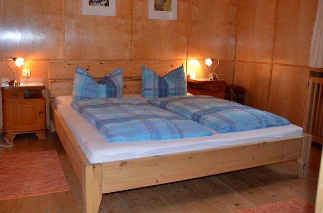 0488-10-Ferienhaus-Angela-Schlafzimmer
