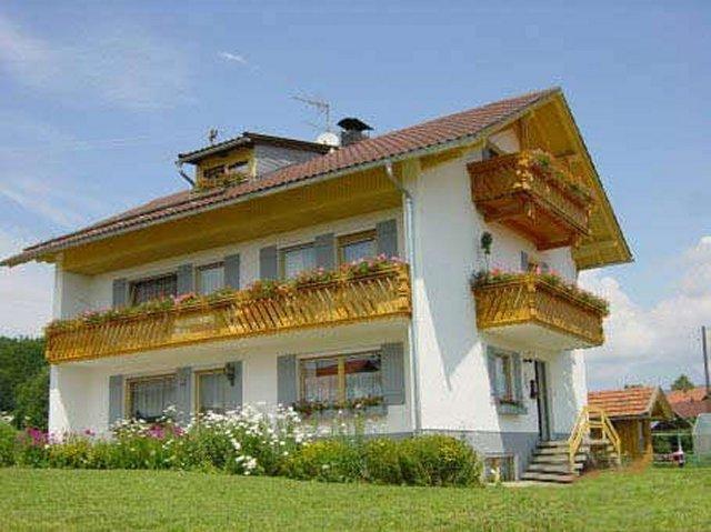 0496-02-Fewos-Ranzinger-Haus-Sonja-Aussenansicht-1