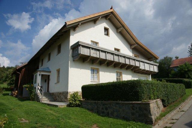 0496-03-Fewos-Ranzinger-Haus-Resi-Aussenansicht-1