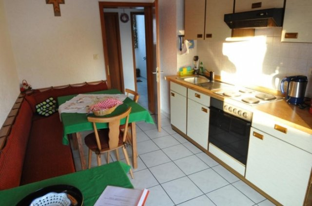 0496-12-Fewos-Ranzinger-Haus-Sonja-Fewo-1-Kueche