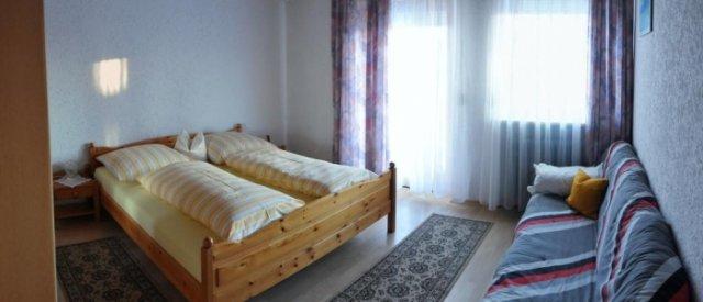 0496-13-Fewos-Ranzinger-Haus-Sonja-Fewo-1-Schlafzimmer