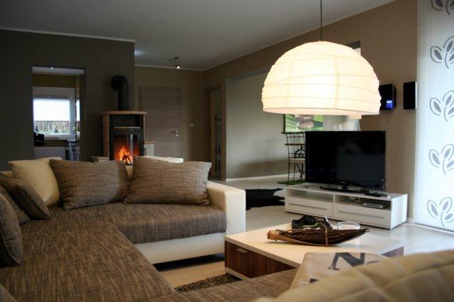 0530-04 Ferienwohnung Solling Lounge I Wohnzimmer mit Kaminofen