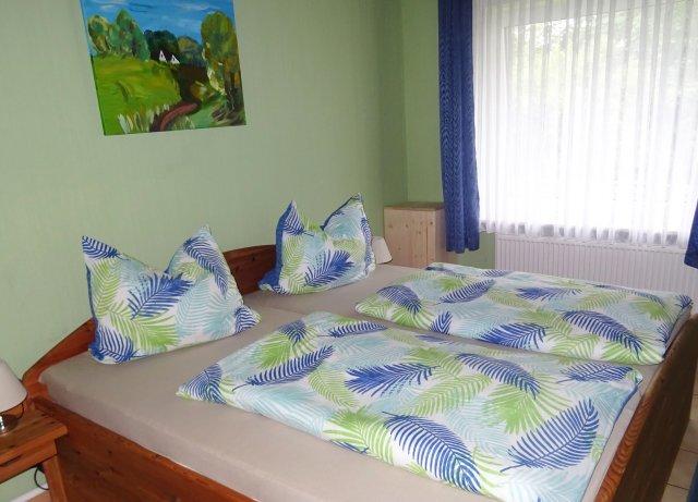0535-11-Haus-Ramona-Ferienwohnung-Gundlach-Schlafzimmer