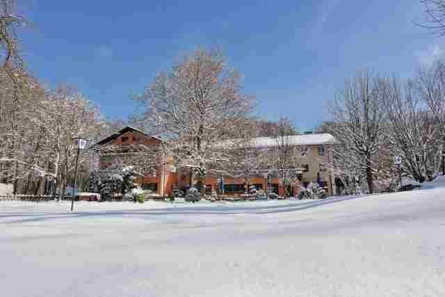 0538-01-Waldgasthof-Buchenhain-Winter