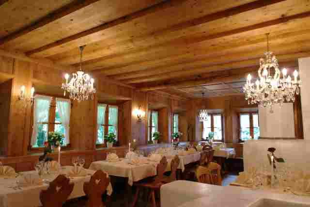 0538-07-Waldgasthof-Buchenhain-Ofenstube