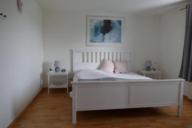 0550-11-Huus-op-Land-Schlafzimmer-im-EG