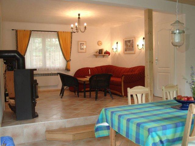 0556-04 Ferienhaus Kleen Luhm Esszimmer und Wohnzimmer