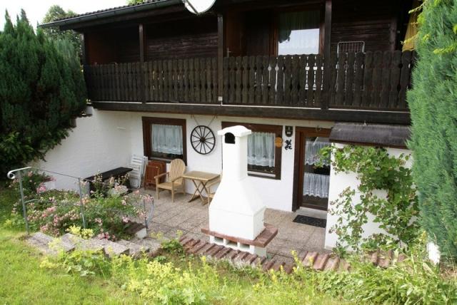 0560-01 Ferienwohnung Ulrichsgruen Aussenansicht Terrasse