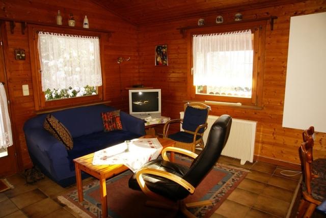 0560-07 Ferienwohnung Ulrichsgruen Wohnraum Bild 1