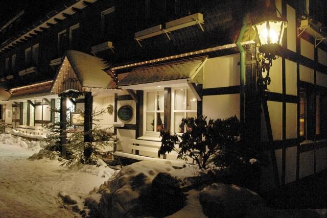 0561-04 Hotel Hubertushoehe Winterstimmung