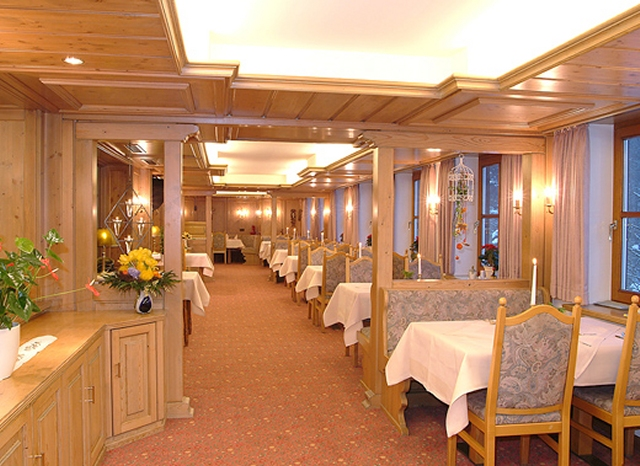 0561-06 Hotel Hubertushoehe Restaurant