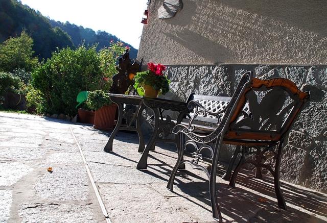 0568-06-Ferienwohnungen-Casa-Capinera-Terrasse-Bild-3