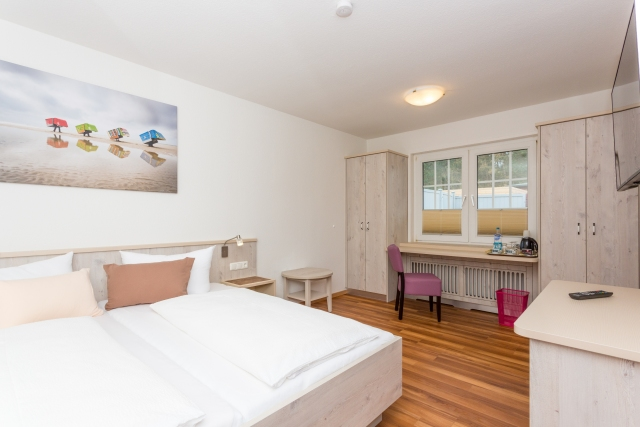 0577-05 Hotel Letj Briis Amrum Zimmer 18 Bild 1