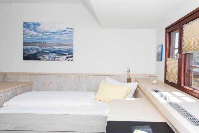 0577-08 Hotel Letj Briis Amrum Zimmer 4 Bild 2
