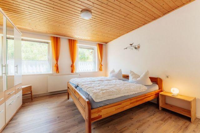 0586-13 Ferienhaus Zita Harz Schlafzimmer 3