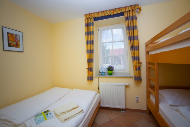 0588-12 Ferienpark Mecklenburg Kinderzimmer - zweites Schlafzimmer