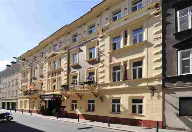 0589-01-Hotel-Praterstern-Frontansicht