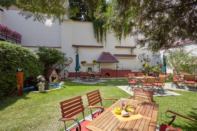 0589-04 Hotel Praterstern Garten