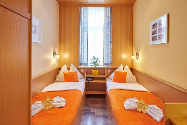 0589-16 Hotel Praterstern Zweibettzimmer