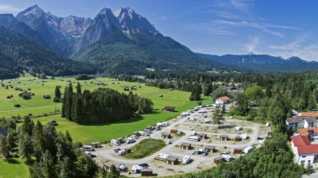 0591-01 Campingr Resort Zugspitze Campingplatz mit Aussicht