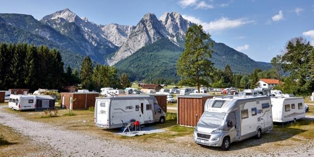 0591-02 Camping Resort Zugspitze Wohnnwagen Stellplätze