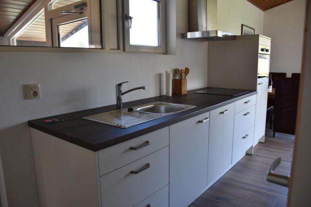 0595-08-Ferienhaus-Asja-Küche