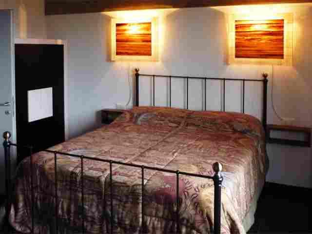 0607-08 Ferienhaus Castagneto Schlafzimmer 3