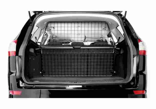 hund im auto mit sicherheit von kleinmetall www. Black Bedroom Furniture Sets. Home Design Ideas