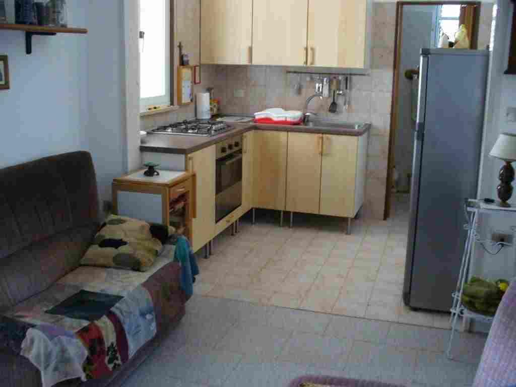 0617-10 Ferienhaus Casa Scalella  Blick in die Küche
