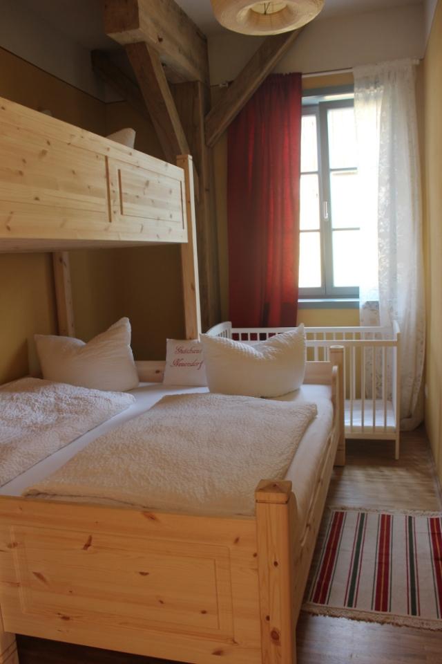 0620-08 Gutshaus Neuendorf Wohnung11-Kinderzimmer