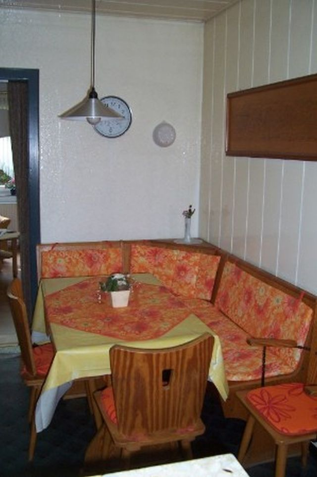 0625-11 Ferienhaus Villa Schnauzer Essecke Küche
