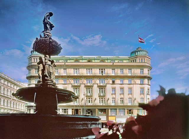 0637-01 Hotel Bristol Aussenansicht Tag