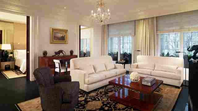 0637-05 Hotel Bristol Suite Art Deco