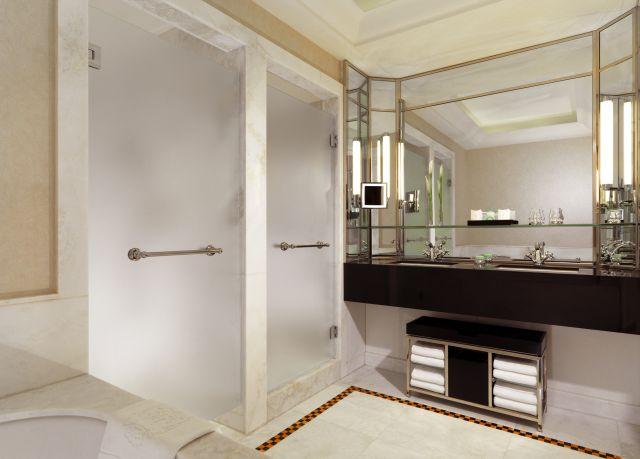 0637-06 Hotel Bristol Suite Badezimmer