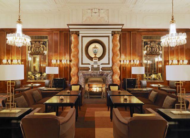 0637-08 Hotel Bristol Restaurant Bristol Lounge