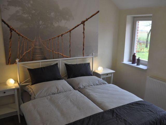 0638-09 Ferienwohnung Fietje Schlafzimmer mit Doppelbett