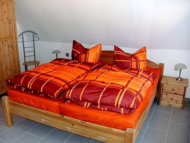 0642-08-Ferienhaus-am-Elbdeich-Schlafzimmer-OG