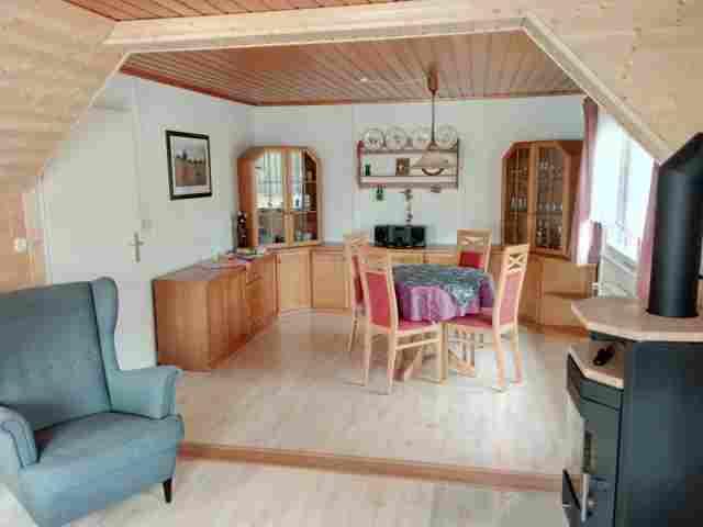 0677-08-Ferienhaus-Balto-Wohnzimmer-mit-Essecke
