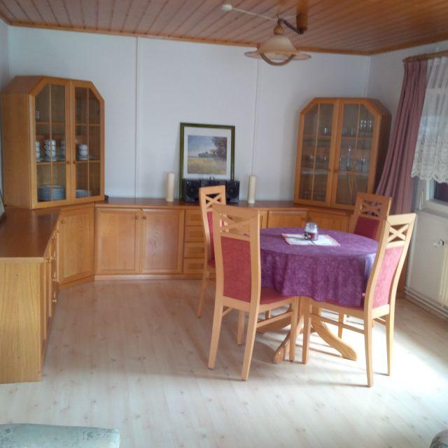 0677-09-Ferienhaus-Balto-Essbereich
