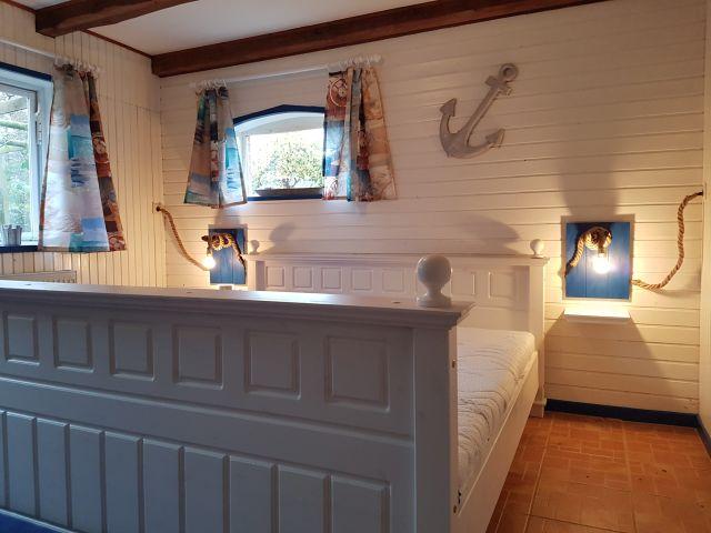 Schlafzimmer EG Bild 2